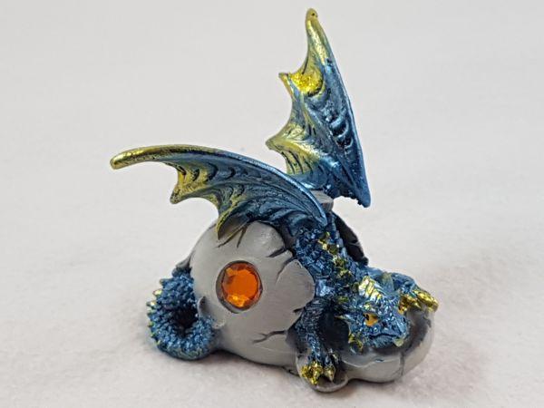 Baby-Drache im Ei blau